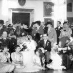 Ślub Romana Chłapowskiego i Róży Sobańskiej; goście w sali balowej guzowskiego pałacu, 1937 r.