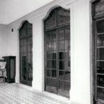 Oranżeria pałacowa, drzwi do jadalni; fot. K. Kowalska, 1977 r. Arch. Mazowieckiego Wojewódzkiego Konserwatora Zabytków