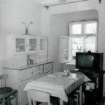 Pokój na poddaszu; fot. K. Kowalska, 1977 r. Arch. Mazowieckiego Wojewódzkiego Konserwatora Zabytków