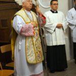 Bp Andrzej Dziuba, po prawej ks. Andrzej Sylwanowicz