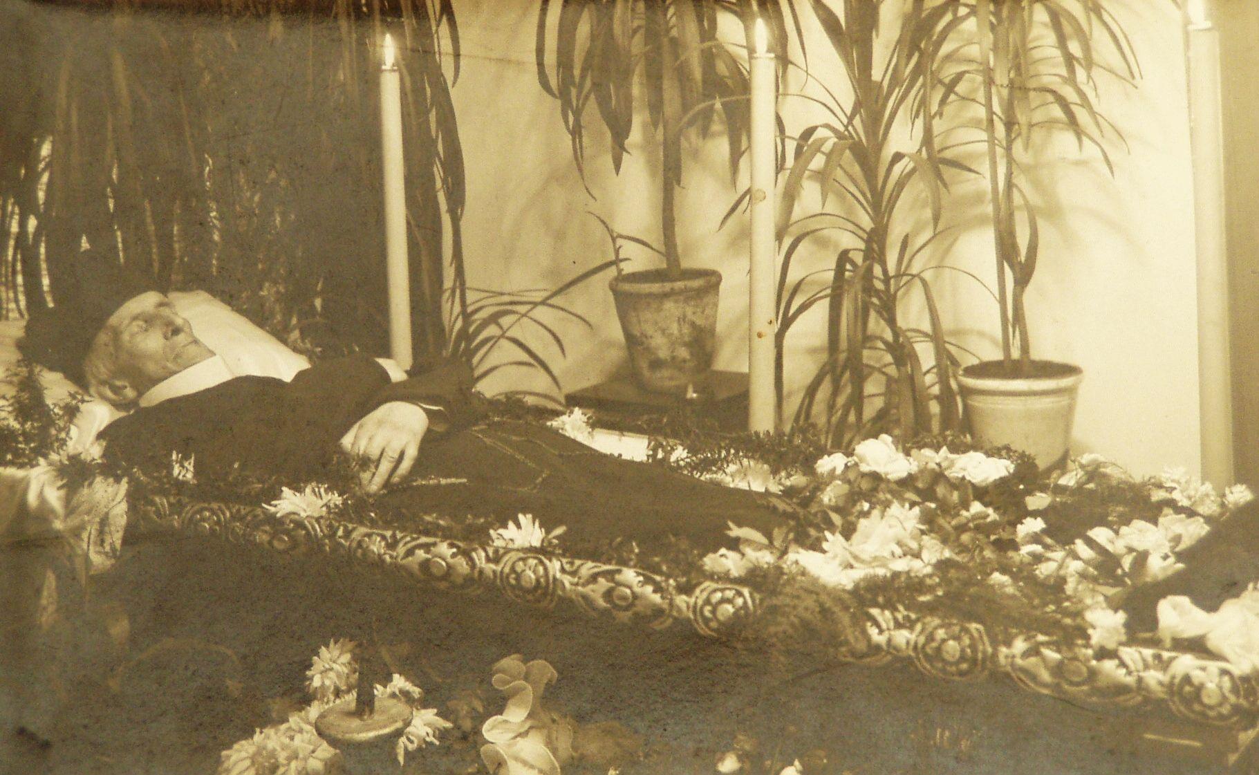 Pogrzeb o. Bernarda Łubieńskiego 1933 r. 1