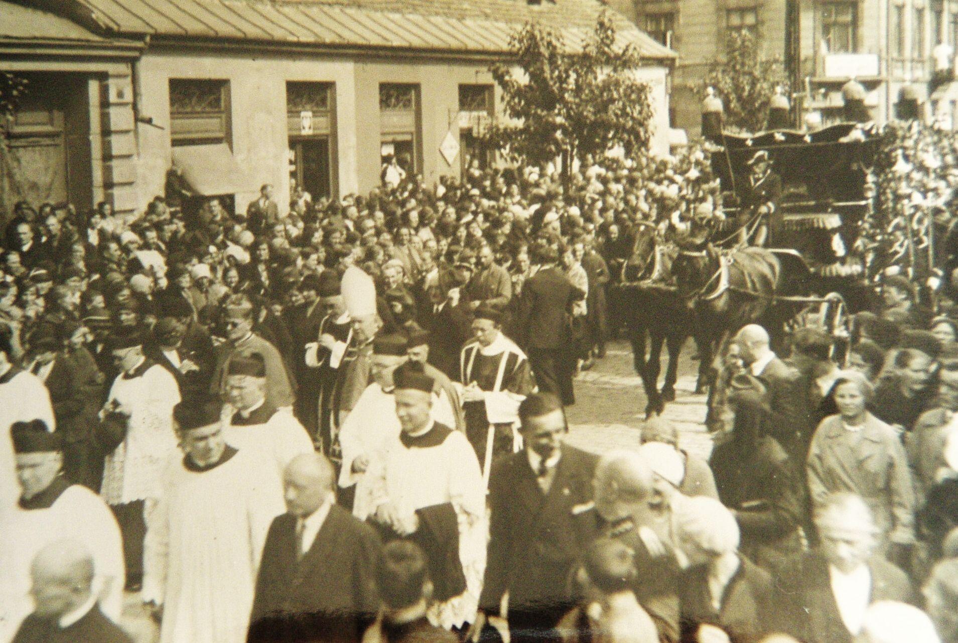 Pogrzeb o. Bernarda Łubieńskiego 1933 r. 2