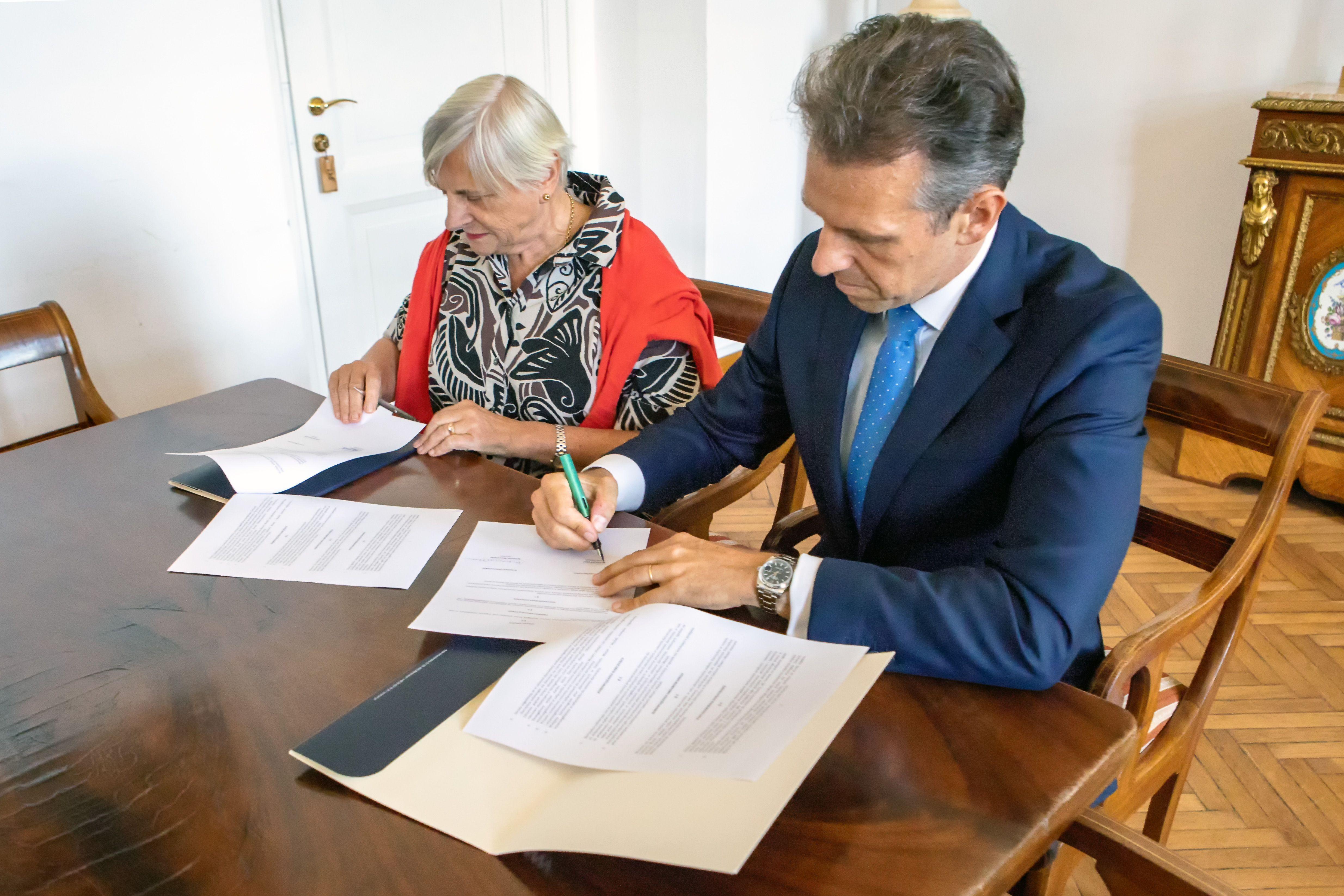 JerzyJanuszTarkowski20180606_(10) Gabinet.Monet.podpisanie.umowy.6.06.2018