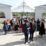 Rodzina Sobańskich przed kaplicą